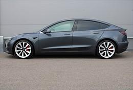 Model 3 Performance AWD Utökad AP Premium Interiör
