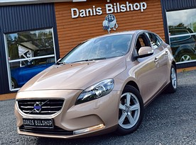 VOLVO V40 D2 Your Kinetic