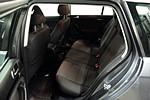 VW Golf 1,6 102hk /1 års garanti