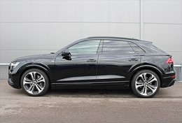 Audi Q8 50 TDI S Line Panorama Head Up Drag Värmare Se Spec!