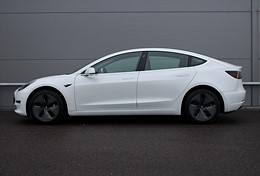 Tesla Model 3 Long Range AWD 431hk AP Momsbil