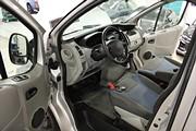 Renault Trafic 2.0 dCi 115hk Skåp Dubbla skjutdörrar*Dragkrok