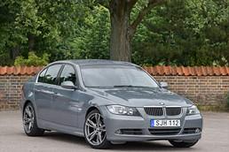BMW 325i sedan (E90)