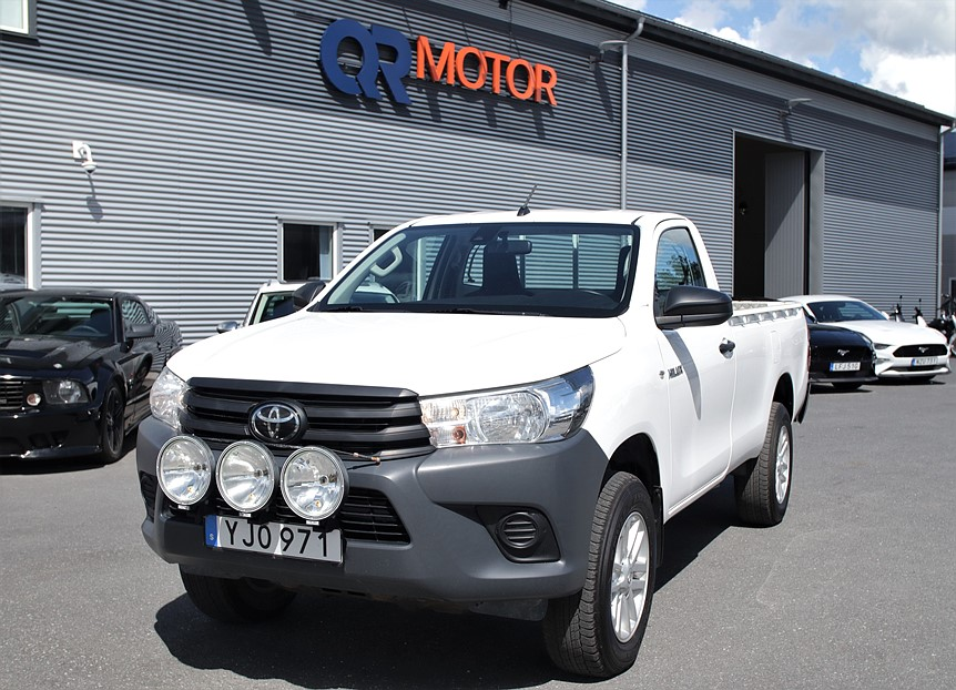 Toyota Hilux 2.4 D 4WD (150hk)