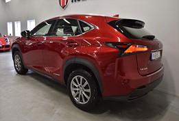 LEXUS NX 300h AWD 2.5 AWD / GPS / Drag 197hk
