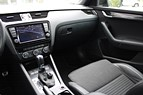 Skoda Octavia RS Edition Combi DSG (184HK) Navi Drag Webasto