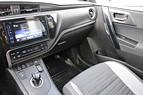 Auris Touring Sports Hybrid 136hk Backkamera Momsbil