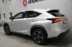 Lexus NX 300h AWD F-Sport / GPS / M-värme / Drag 197hk