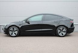Tesla Model 3 Standard Range AP Dragkrok Momsbil