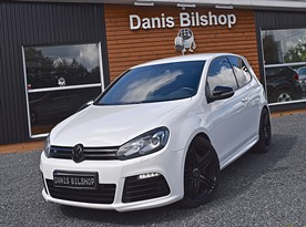 Volkswagen Golf R 4Motion 326hk